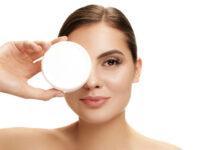 Czy kosmetyki to dobry pomysł na prezent dla kobiety
